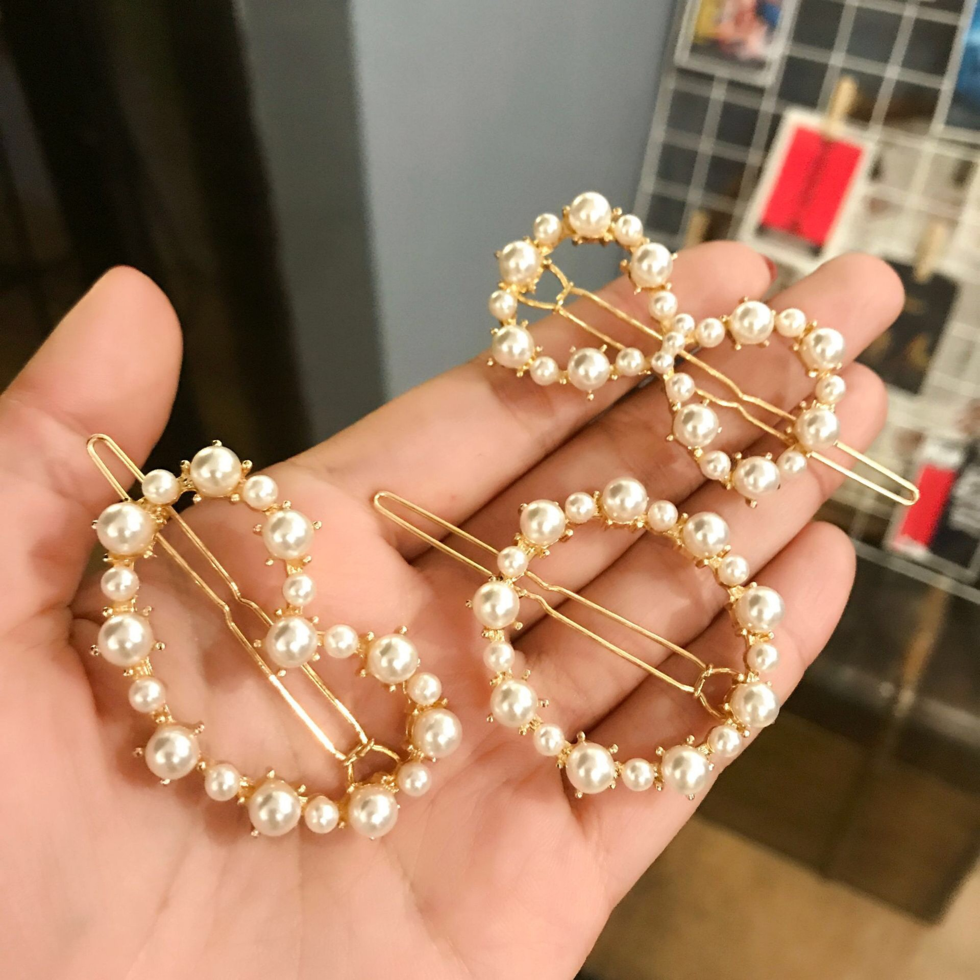 New rose gold <strong>Hair</strong> <strong>Accessories</strong> Geometric Shape Hollow crown bow pearl <strong>hair</strong> Barrettes