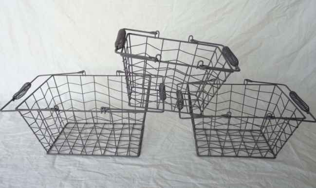 Rectangle Crafted Of Wire With Handles And Lining Vintage-Inspired Has A Bold Rustic Wire Basket