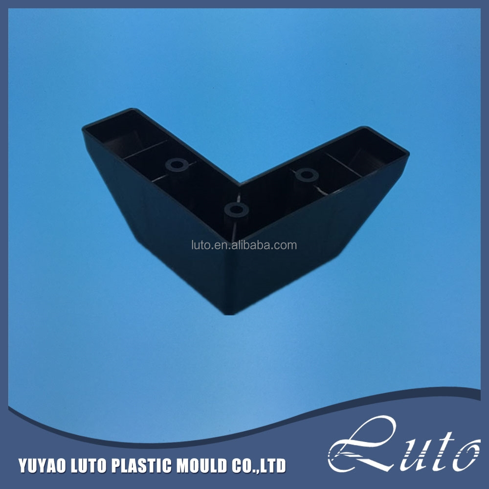 Custom made Cheap Black Plastic plastic injection molding