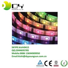 Usine prix LED bande 5050 RGB ip68 5 m / roll conduit Flxible bande RGB LED lights bande