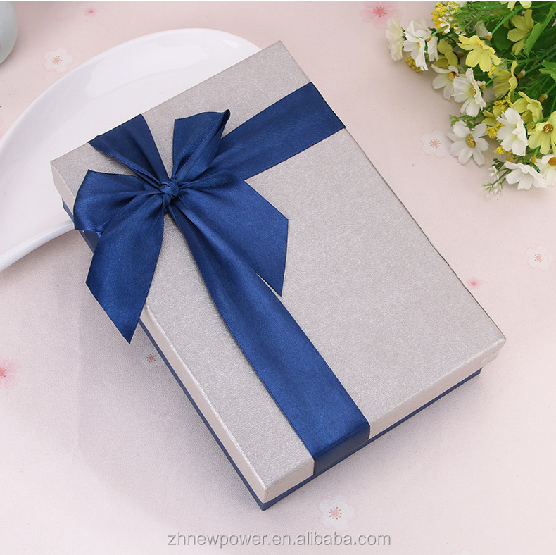 Fashionable cardboard gift packaging box