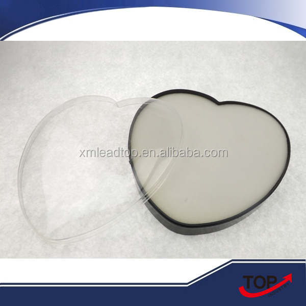 Heart-shaped transparent plastic gift box