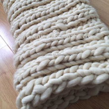 super chunky 19 micron 23 microns merino wool handmade hand-woven chunky yarn knit throw rug blanket