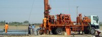 Top-drive hydraulic water well drilling rigs