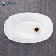 OEM Christmas White Porcelain Dishes Wholesale Cheap Restaurant Oval Plate For Dinner
