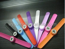 Wholesale cheap silicone wristband watches men for sale