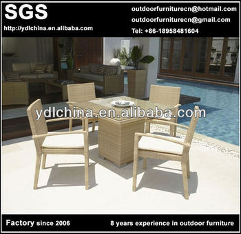 rattan dining room furniture table and chairs