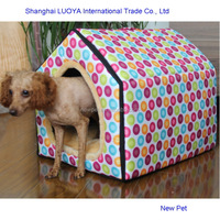 Quality assured elegantly designed triangle house hot sale dog pet cage kennels house in winter