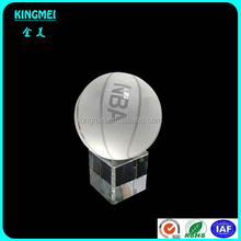 Customized shenzhen factory crystal basketball model,wholesaleengraving crystal logo sport ball