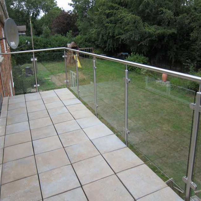 Indoor glass spigot railing modern deisgn