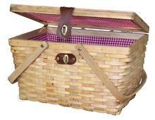 Gingham lined with folding handles woodchip picnic basket