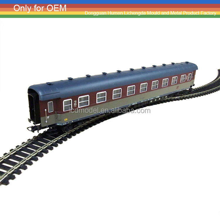 1:18 scale HO model train