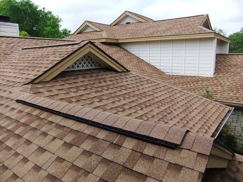 Wholesale roofing shingles materials fiberglass roof tile /asphalt shingles for sales
