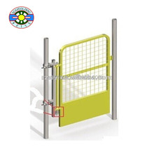 scaffolding swing gate with toe board