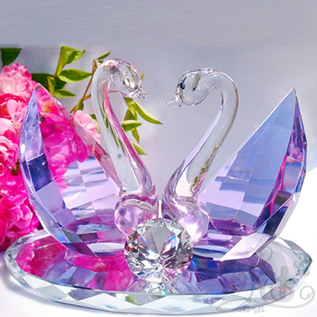 New Valentine gift kissed crystal swan with various colors choices