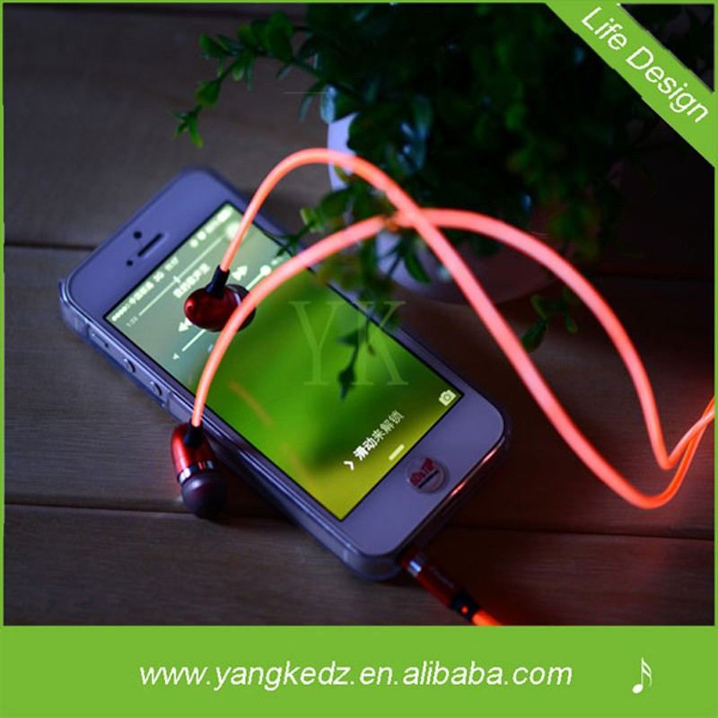 MP3/MP4 and Mobile phones flashing led voice changer earphone