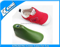 Plastic shoe last for baby shoes