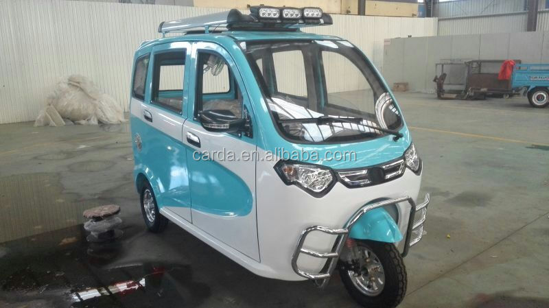 Full Closed Mini Electric tricycle for passenger with top lights for family