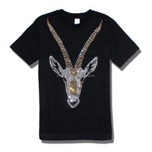 Wholesale fashion Men short sleeve rhinestone T Shirt beaded male t-shirt bling bling diamond antelope tshirt Mercerized cotton