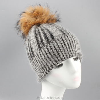 2017 new knitted hat fashion Women big Real Raccoon Fur pom pom Caps Cute Casual Cap Women Beanies