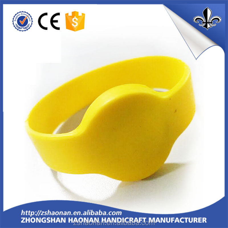 Promotion Give Away Gift Silicone Bracelet/Silicone Wristband/Silicone Band