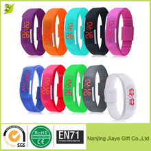 2016 New Silicone Band Touch Screen Red Light Sports LED Bracelet Watch
