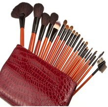 Wholesale 22 pcs wooden cleaner professional cute makeup brush set best quality cosmetics brush set