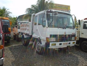 Fuso Fighter Dump Truck w/ Extended Siding