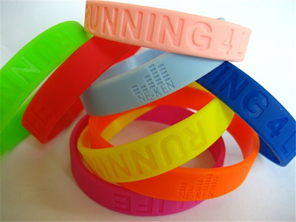 2016 Hot Selling Good Quality Durable Nice Design silicone hand bands
