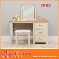 Bedroom White French Solid Wood Dressing Table With Lighted Mirror
