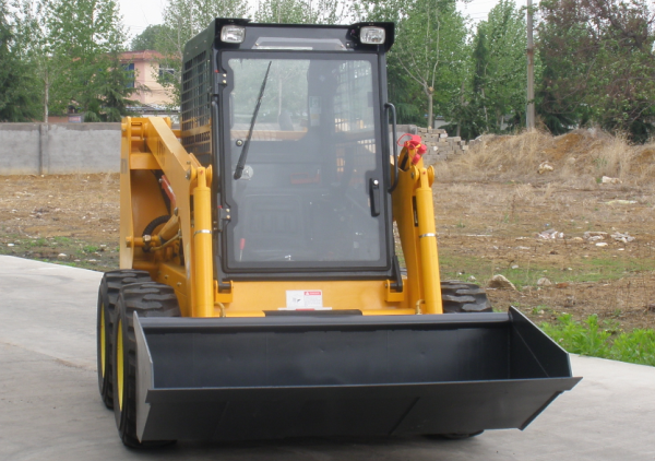 China wheel Bobcat skid steer loader for sale closed cab.png