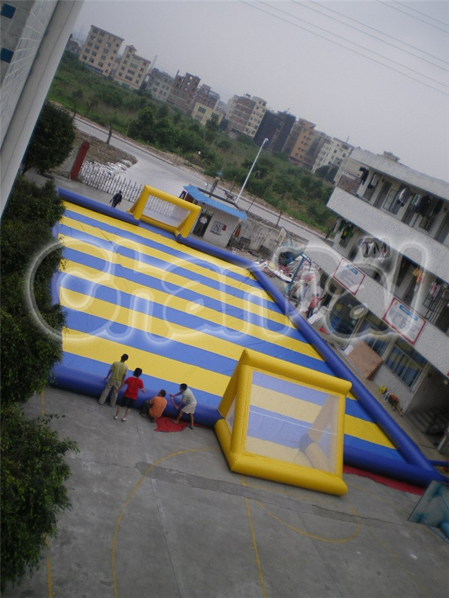 Outdoor inflatable soap soccer field sport games, new inflatable football/soccer field for sale