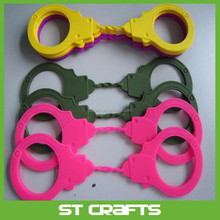 High quality handcuff toy silicone handcuff for fun suitable for adult and kid