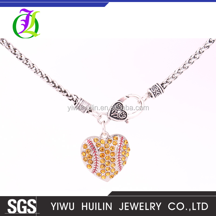 A500172 Yiwu Huilin Jewelry couples breakable heart crystal pendant alloy fashion thin chains necklaces