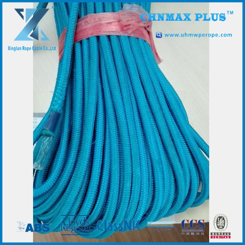 High-end jacketed UHMWPE rope