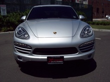 used but still as new 2013_porsche_cayenne-automobile