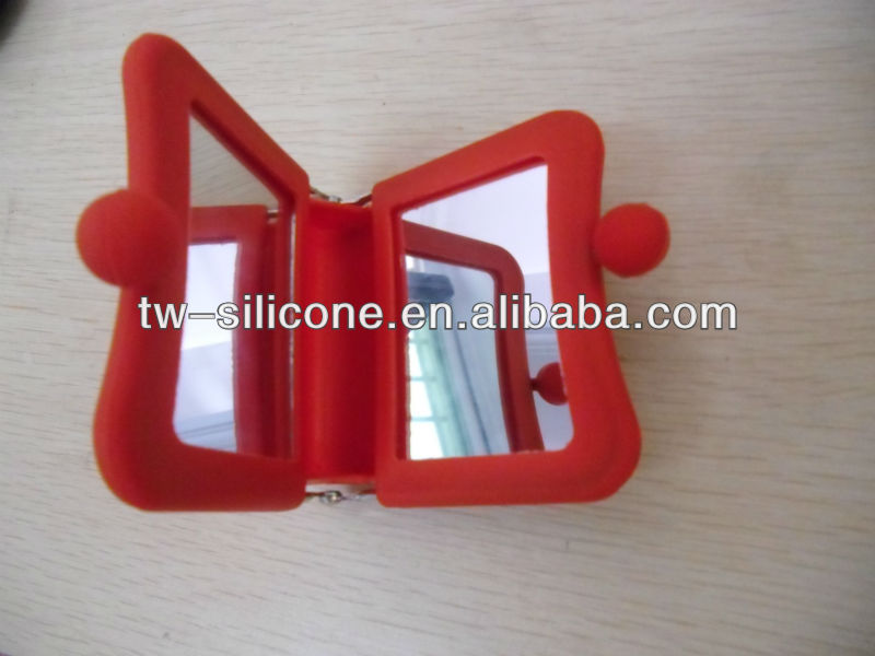 2013 New Silicone custom cosmetic case