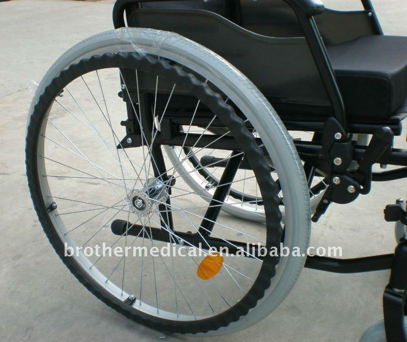 CE Certificated Aluminum Wheelchair BME4639