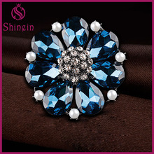 New design flower shape clear diamond and blue crystal alloy brooches