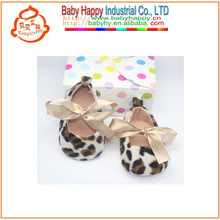 Leopard bebé <span class=keywords><strong>de</strong></span> mary jane shoes con cordones <span class=keywords><strong>de</strong></span> los <span class=keywords><strong>zapatos</strong></span> <span class=keywords><strong>de</strong></span> raso chino