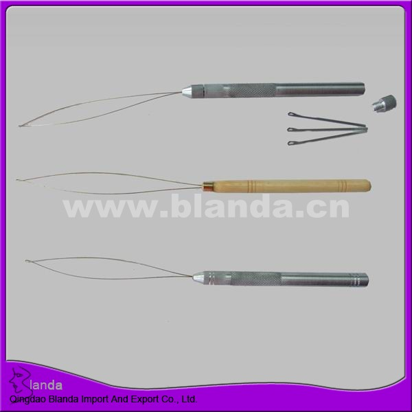 Plastic pulling needle for hair extension