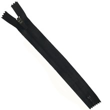 NO.3 Cheap price with hard rubber pull anti-packer nylon zipper for garments