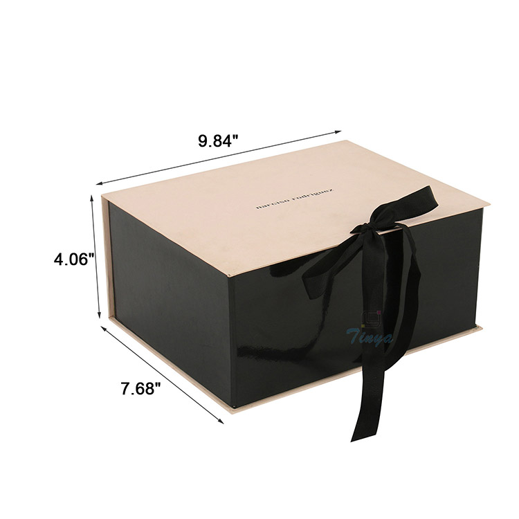 design square underwear folding gift box with ribbon