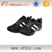 EVA Insole Material and Mesh Upper Material man sport Shoe with two lines