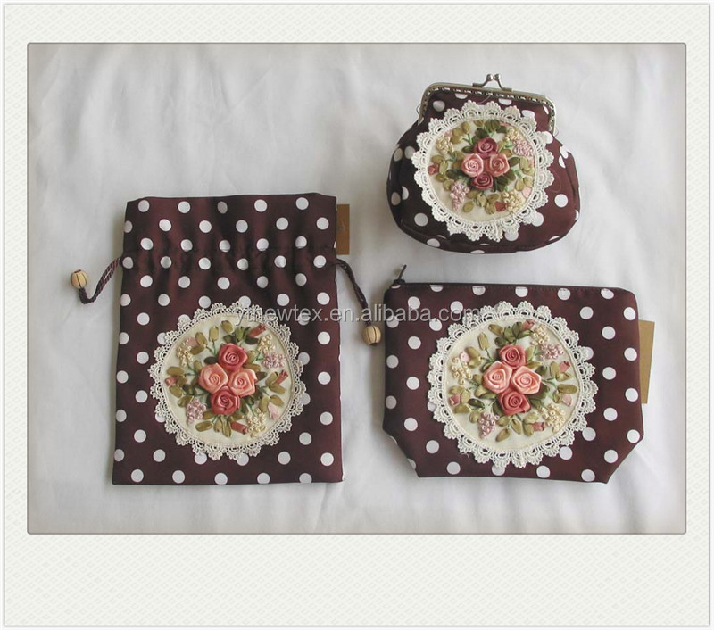 hand embroidery cheap cosmetic bag set made in china
