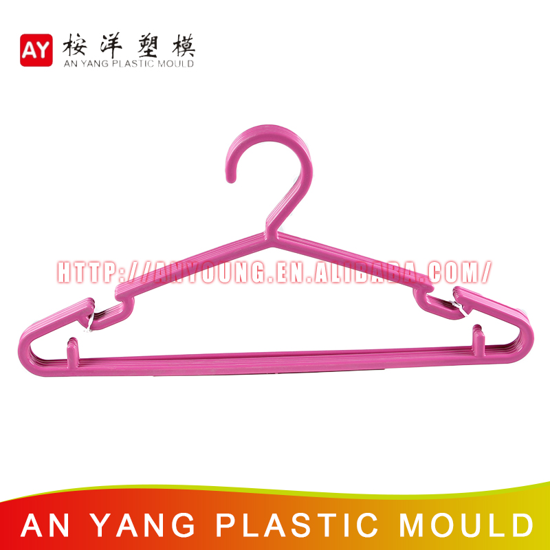 Eco-Friendly Reclaimed Material Purple Plastic Hanger