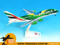 Aircraft AIR BUS A380 Emirates Plastic Model plane Scale 1:200