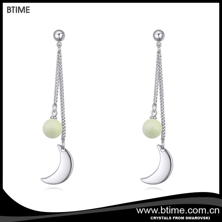 Btime simple earrings pearl with moon shaped crystals from Swarovski