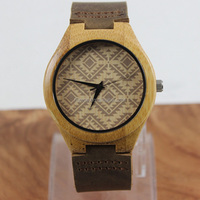 Hot selling novelty design natural wooden watch Lovers Luxury Wood Bamboo Wristwatch with Cowhide Leather Band