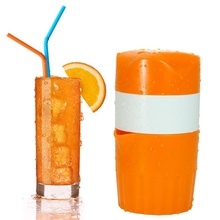 Amazon hot selling plastic hand fresh <strong>orange</strong> and lemon juice squeezer for home use